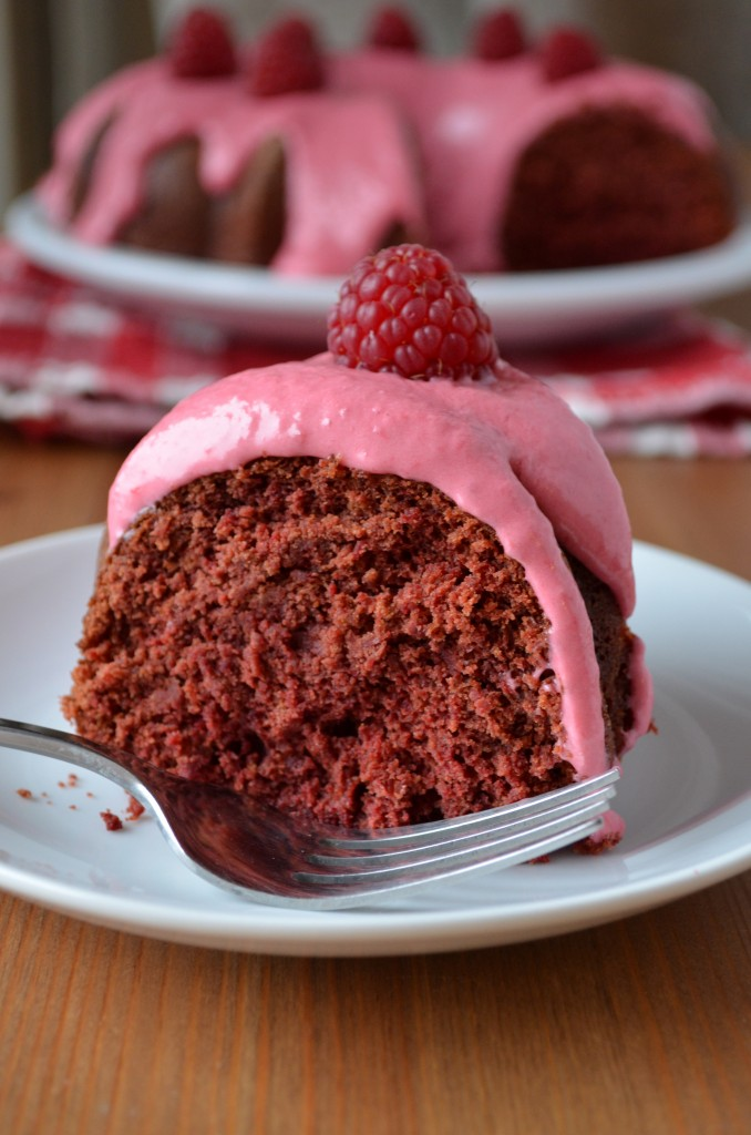 Red Velvet Beet Cake with Raspberry Cream Cheese Frosting | coffeeandquinoa.com