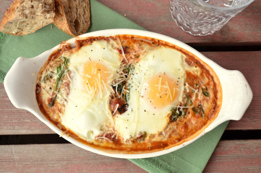 Baked eggs with tomato sauce spinach quinoa forumfinder Choice Image
