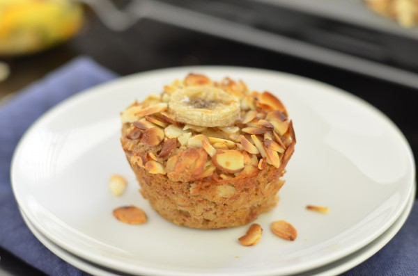 Banana Almond Baked Oatmeal Cups | 15 Oatmeal Cups To Stay Healthy During The Cold Months