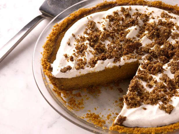 Not Your Grandma's Pumpkin Pie Recipe Roundup | coffeeandquinoa.com